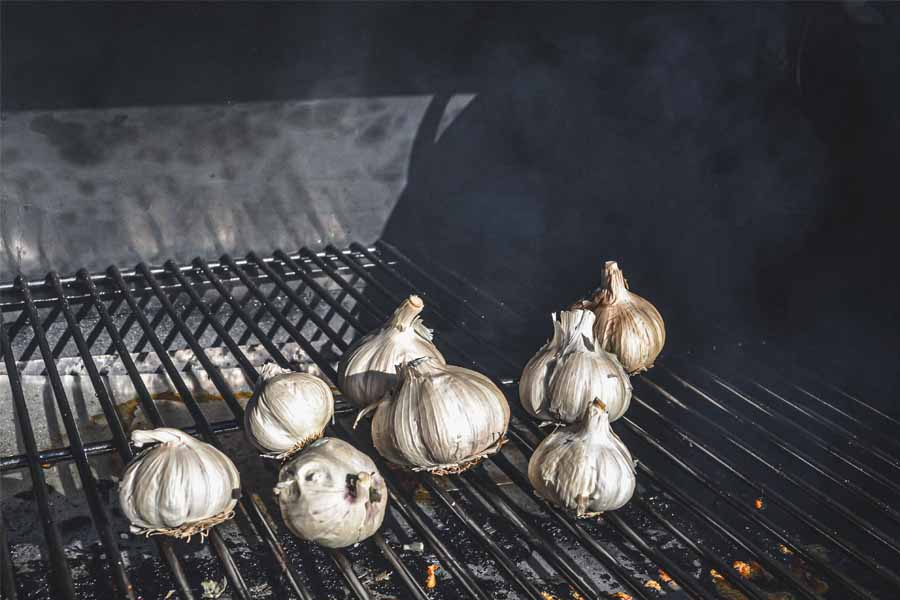 You are currently viewing Smoked Garlic